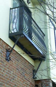 wrought_iron_railing_steel_balcony