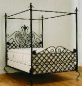 wrought iron canopy bed