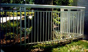 curved aluminum fence