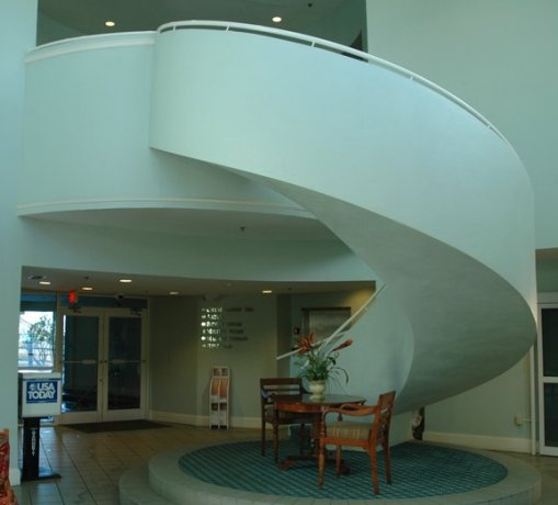 freestanding curved staircase